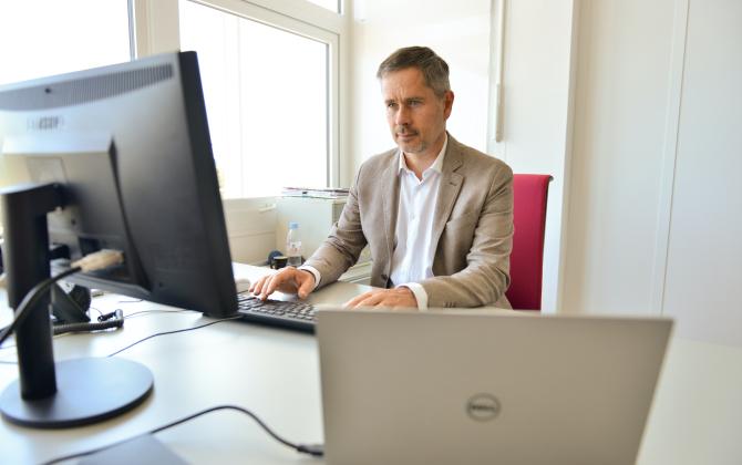 Anton Bielakoff, directeur général du spécialiste toulousain des paiements en ligne Lyra, espère compenser les pertes du premier semestre 2020 en augmentant le nombre d'ouvertures de comptes à l'international.