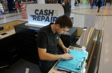 L'un des kiosques de Cash & Repair.